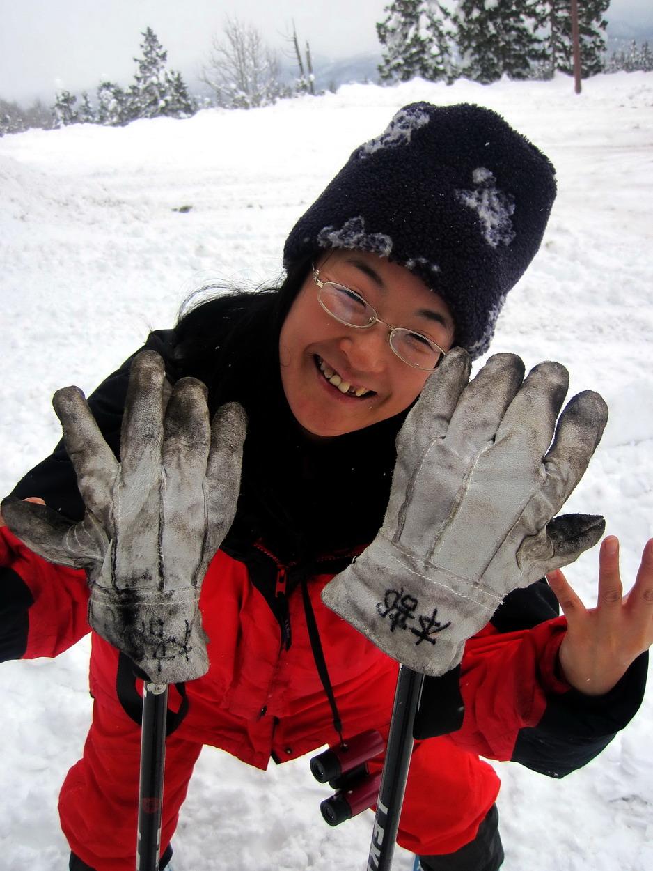 今回に向けて買った手袋が紛失、キャンプの革手袋使用