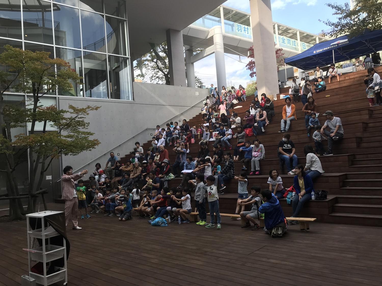 もんちゃんの交流広場ステージ